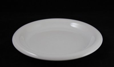 Boda Nova white plate between