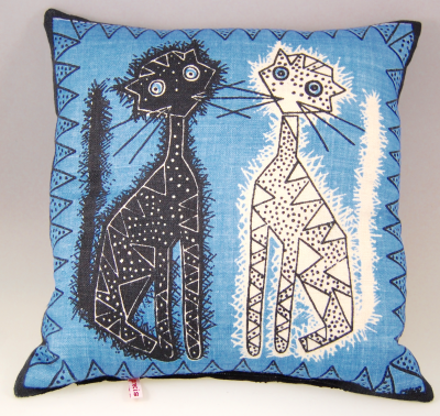 Cats Cushion Maud Fredin Fredholm