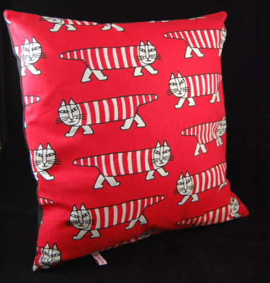 MIKEY Cushion Red Lisa Larson